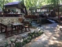 MASA SANDALYE - Şehrin Stresini Dağılcak'ta Atıyorlar