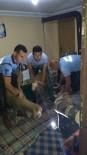 YAŞLI ÇİFT - Selde Mahsur Kalan Yaşlı Çift İle Hayvanlarını İtfaiye Kurtardı