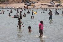 BEĞENDIK - Sıcaklar, Denizi Olmayan Kentte Hazar Gölü'nü Doldurdu