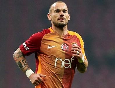 Sneijder imzalıyor