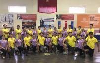 KARABAĞ - Bayraklı Belediyesi Halk Oyunları Ekibi Şampiyonluğa Kilitlendi