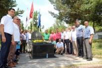 AHMET DEMIRCI - Denizer, Katledilişinin 18. Yılında Mezarı Başında Anıldı