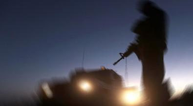 Askeri tabura havanlı saldırı
