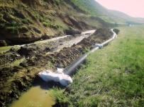 YOĞUN MESAİ - Gürpınar'da Sulama Kanalları Onarılıyor