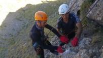 ORHAN TOPRAK - Hakkarili Dağcılardan Kaya Tırmanışı İçin Yeni Rota