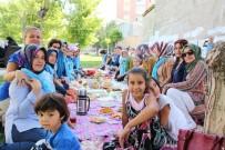 MURAT ZORLUOĞLU - Van Yemekleri Grubundan Vali Zorluoğlu'na Teşekkür