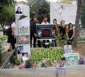 KEREM ALıŞıK - Çolpan İlhan  Doğum Gününde Mezarı Başında Anıldı