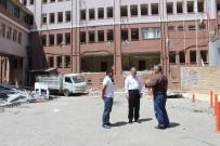 AİLE SAĞLIĞI MERKEZİ - Eski Devlet Hastanesinin Yıkımına Başlandı