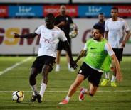 METİN OKTAY - Galatasaray Hazırlıklarını Sürdürdü