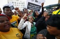 GÜNEY AFRIKA - Güney Afrika Devlet Başkanı Zuma, Güvensizlik Oylamasından Geçti