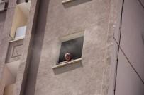 İTFAİYECİLER - Hatay'da Korkutan Yangın