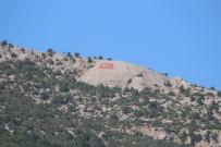 KAKLıK - Hopka Dağı'na Dev Türk Bayrağı