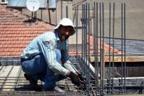 İNŞAAT İŞÇİLERİ - İnşaat İşçilerinin Sıcak Mesaisi