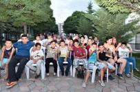 PATLAMIŞ MISIR - Mamak'ta sinema akşamları başladı