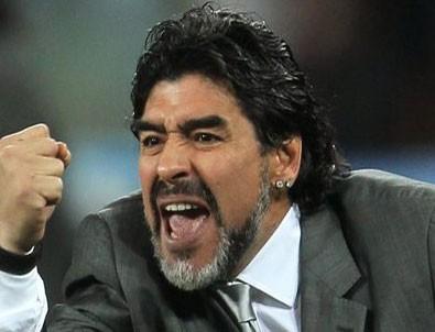 Maradona: Maduro emrederse savaşırım