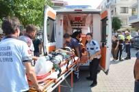 CENGIZ TOPEL - Ortaca'da Otomobille, Motosiklet Çarpıştı; 2 Yaralı