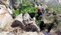 BOZKÖY - Uçurumun Kenarında 72 Saat Mahsur Kalan Keçileri AFAD Kurtardı