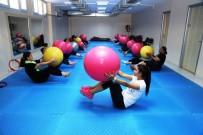 YÜREĞIR BELEDIYE BAŞKANı - Yüreğirli Kadınlar Fitness Yaparak Zayıflıyor
