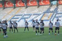 ERZURUMSPOR - BB. Erzurumspor,  Kazım Karabekir Stadı'nda Gece Antrenmanı Yaptı