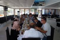 Bosnalı Öğrenciler Lapseki'de Kahvaltıda Bir Araya Geldi