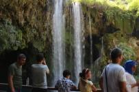 MILLI PARKLAR GENEL MÜDÜRLÜĞÜ - Doğa Harikası Şelale Ziyaretçi Akınına Uğruyor