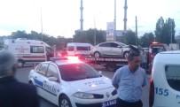 ÖMER EKİNCİ - Kars'ta Trafik Kazası Açıklaması 15 Yaralı