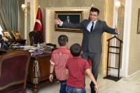 HAİN SALDIRI - Necmettin Öğretmenin Öğrencilerinden Vali Memiş'e Ziyaret