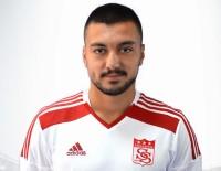 BEYİN KANAMASI - Otobüsün Kapısının Çarptığı Genç Futbolcu Ağır Yaralandı