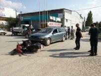 DİKKATSİZLİK - Sandıklı'da Trafik Kazası Açıklaması 1 Yaralı