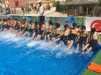 YAZ MEVSİMİ - Suriyeli Çocukların Havuz Keyfi