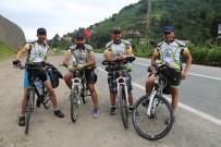Yıllık İzinlerinde Türkiye'yi Bisikletle Turluyorlar