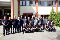 BELEDİYE ÇALIŞANI - Bayramda Nöbet Tutan Belediye Çalışanlarına Ziyaret