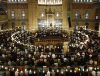 BAYRAM HARÇLıĞı - Bayramın ilk günü camiler doldu taştı