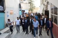 MURAT HAZINEDAR - Beşiktaş Belediye Başkanı Hazinedar, Bayram Namazını Hakkari'de Kıldı