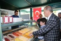 AHMET AKİF - Cumhurbaşkanı Erdoğan Torununa Dondurma Aldı