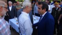DİYARBAKIR VALİSİ - Diyarbakır Protokolü Halkla Bayramlaştı
