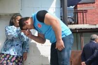 SARAYBOSNA - Dünya Şampiyonu Kayaalp Ve Bosna Büyükelçisi Muhtaçlara Kurban Eti Dağıttı