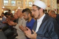 BAYRAM HAVASI - Eskişehir'de Bayram Namazında Camiler Doldu