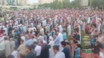 MESCİD-İ AKSA - Gazze'de Bayram Namazına Binler Katıldı