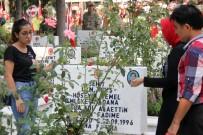 FATMA GÜLDEMET - Hiç Hatırlamadığı Babasıyla 21 Yıldır Mezarda Bayramlaşıyor