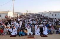 DARMADAĞıN - Kampta Kalan Suriyeliler Bayram Namazında Savaşın Bitmesi İçin Dua Etti