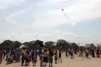 UÇURTMA ŞENLİĞİ - Kenyalı Çocuklar Uçurtmayla Tanıştı