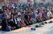 AHMET DAVUTOĞLU - Konya'da Bayram Namazı Kılındı, Camiler Doldu Taştı
