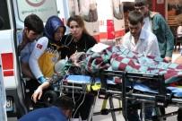 Otomobil Dereye Düştü, Kadın Sürücü Boğulmaktan Son Anda Kurtuldu