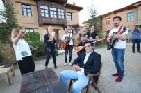 BAYHAN - Sanatçıların Köyünde 'Güvey Okşaması' Canlandırıldı