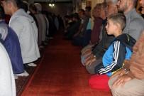 SELÇUKLULAR - Sivas Ulu Cami'de Bayram Namazı Kılındı