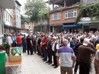 Trabzon'daki Kazada Hayatını Kaybeden 2 Kişi Artvin'de Toprağa Verildi