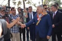 ERTUĞRUL GAZI - Başbakan Binali Yıldırım, Ertuğrul Gazi Türbesi'nde Kayı Alplerinin Nöbet Değişimini İzledi