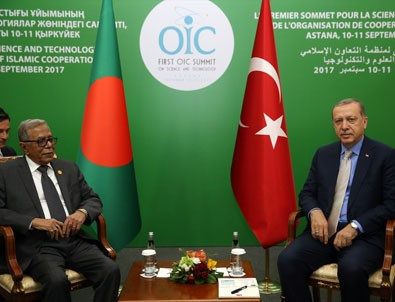 Erdoğan'dan Kazakistan'da diplomasi trafiği