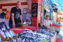 BALIKÇI ESNAFI - Eskişehir'de Mevsimin İlk Hamsileri Tezgahlara Ulaştı
